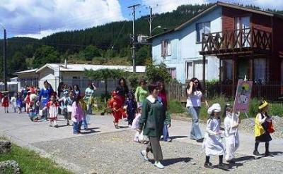 Alumnos y alumnas de Pre-Kinder y Kinder.