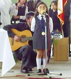 Actuación de Paola.